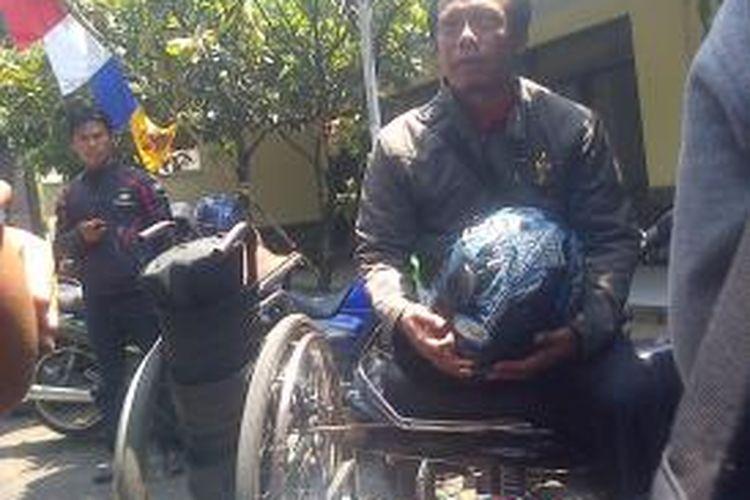 Djumono, penyandang difabel yang telah ditetapkan sebagai calon DPD RI dari Jawa Barat