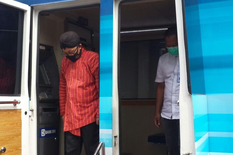Wali Kota Malang, Sutiaji saat mengunjungi Kanwil BRI Malang untuk memastikan penerapan protokol kesehatan Covid-19 di kantor tersebut, Kamis (9/7/2020)