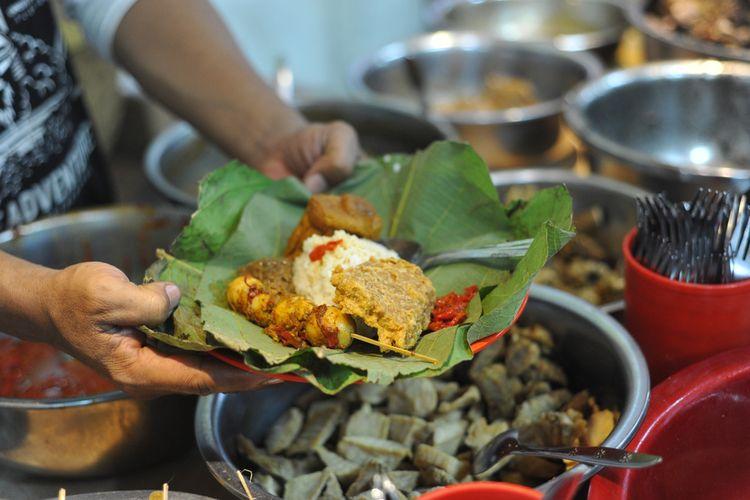 Ilustrasi nasi jamblang khas Cirebon.