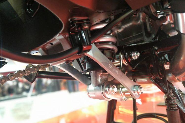 Suspensi monoshock Pro-Link di Honda X-ADV