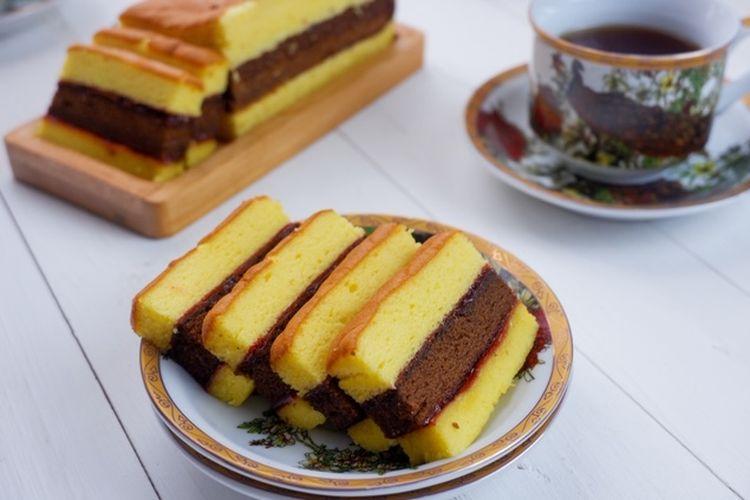 ilustrasi spikoe atau kue lapis surabaya