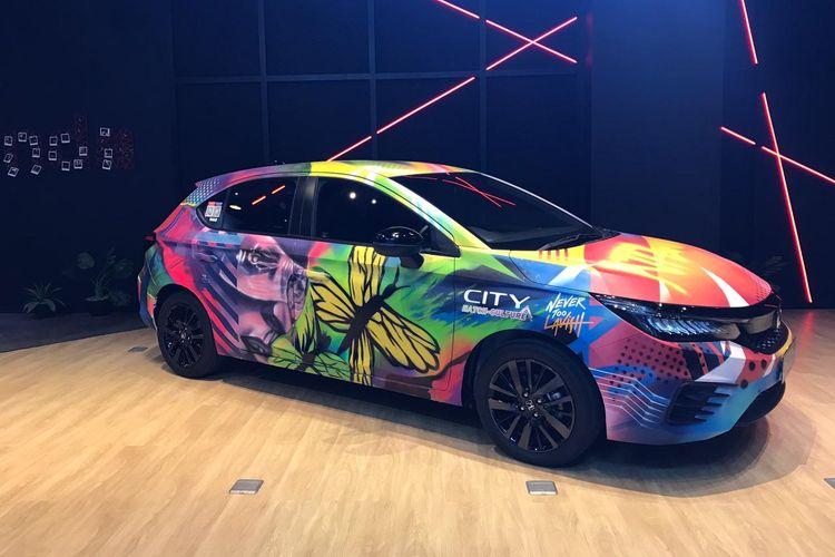 Hasil karya kolaborasi dari NeverTooLavish dan juga para pemenang dari City Hatch Art