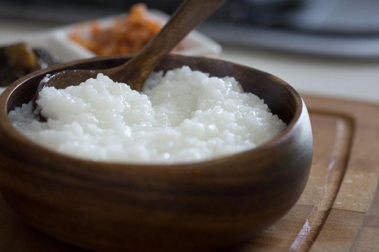 Ilustrasi bubur yang terbuat dari beras.