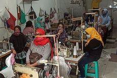 Sembunyi-sembunyi Pekerjakan Karyawan 100 Persen, Pabrik Konveksi di Cilincing Digerebek
