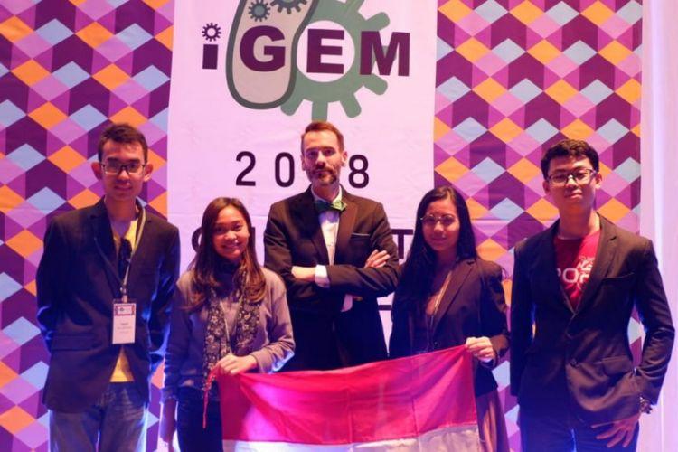 Mahasiswa Universitas Indonesia (UI) berhasil meraih Medali Emas dalam ajang International Genetically Engineering Machine (IGEM) Competition 2018 l