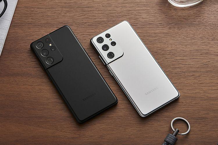 Galaxy S21 Ultra Phantom Black dan Phantom Silver.