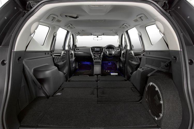 Interior Pajero Sport Dakar 4x2 Rockford Fosgate Edition