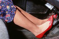 Berkendara Pakai Sandal Jepit Lebih Bahaya daripada Pakai