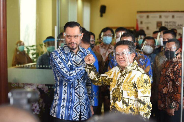 Ketua Umum Partai Demokrat Agus Harimurti Yudhoyono (AHY) bertemu Presiden Partai Keadilan Sejahtera Sohibul Iman, di DPP PKS, Jakarta Selatan, Jumat (24/7/2020).