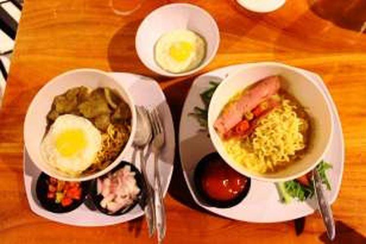 Beberapa menu serba mie di Warunk Upnormal. Dari kiri ke kanan, yaitu Mie Goreng Kikil (Gokil) yang memiliki cita rasa pedas dari bumbunya, dan Mie Upnormal, mie instan rebus diguyur kuah dengan saus keju yang menggugah selera.