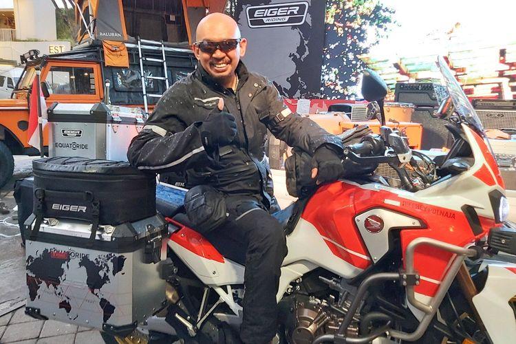 Bikers asal Bandung, Jeffrey Polnaja atau Kang Jeje akan melakukan ekspedisi Equatoride dengan menjelajahi 25 negara tropis di dunia dengan mengendarai sepeda motor. Perjalanan dimulai 28 Oktober 2019 dan ditargetkan selesai dalam dua tahun.