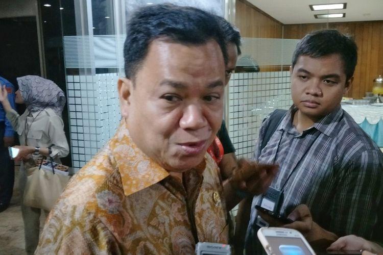 Koordinator Bidang Kesejahteraan Rakyat Partai Golkar Roem Konosaat ditemui di Kompleks Parlemen, Senayan, Jakarta, Senin (19/3/2018).