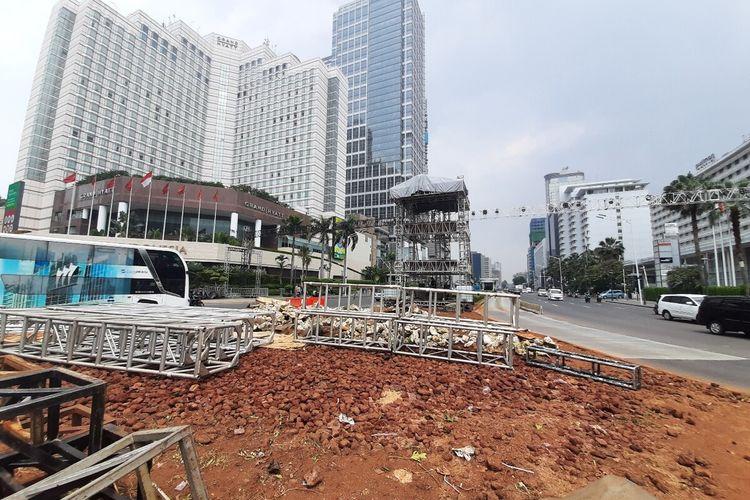 Bekas lokasi instalasi batu gabion di Bundaran Hotel Indonesia, Jakarta Pusat, Kamis (26/12/2019)