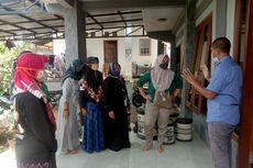 Ketika Ibu-ibu Peternak Datangi Rumah Suroto Tagih Janji Jokowi soal Jagung