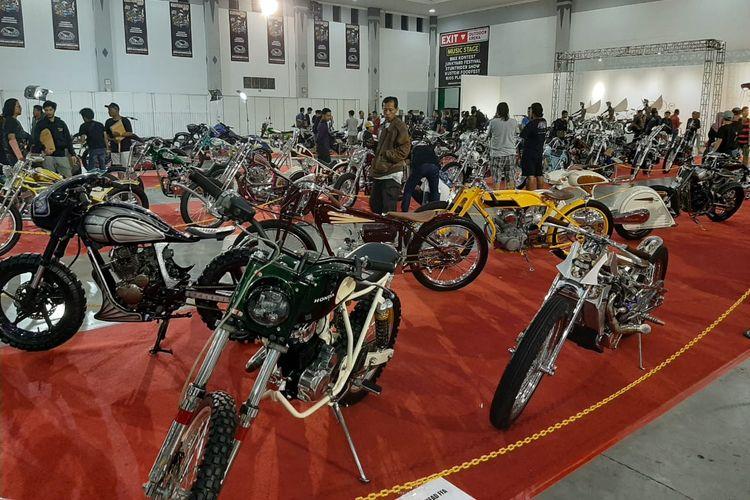 Ratusan motor custom peserta Kustomfest 2019.