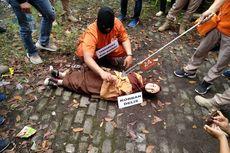 Reka Ulang Pembunuhan Siswi SMP di Tasikmalaya, Ibu Korban: Ayahnya Sadis Sekali
