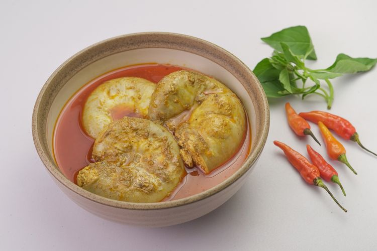 Ilustrasi gulai tambusu khas Minang, usus sapi isi tahu telur.