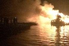 Dua Kapal Nelayan Terbakar di Pelabuhan Muara Angke
