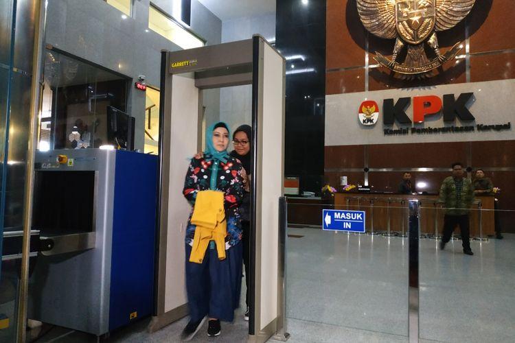 Istri Wali Kota Medan nonaktif, Rita Maharani Dzulmi Eldin usai
