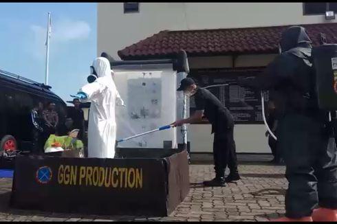 Ratusan Polisi yang Kenakan Hazmat Akan Sterilkan Pusat Keramaian di Jateng
