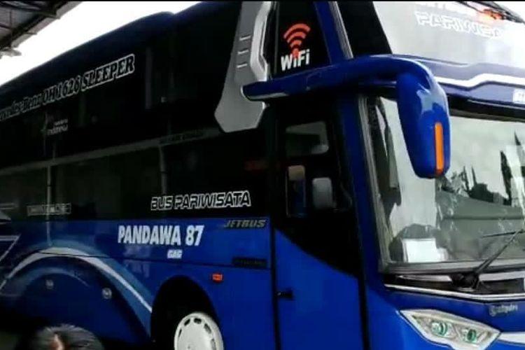 Bus PO Pandawa 87