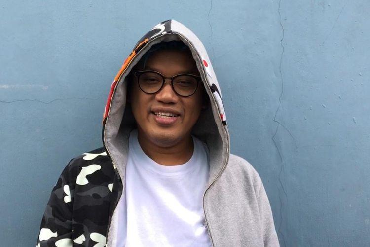 Presenter Uya Kuya saat ditemui usai memandu sebuah acara di salah satu televisi swasta di kawasan Mampang, Jakarta Selatan, Senin (15/4/2019).