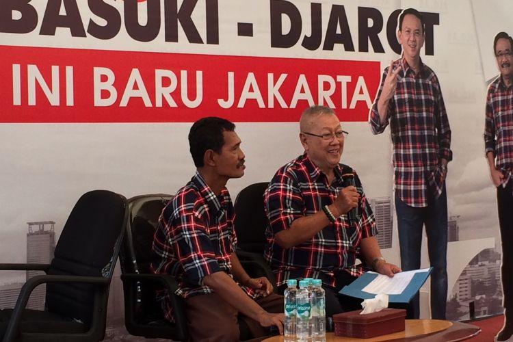 Eddy Sadeli (kanan), Ketua Dewan Pakar Tim Pemenangan calon gubernur-wakil gubernur, Agus Harimurti Yudhoyono-Sylviana Murni mengalihkan dukungan kepada Basuki Tjahaja Purnama atau Ahok-Djarot Saiful Hidayat pada putaran kedua Pilkada DKI Jakarta 2017.