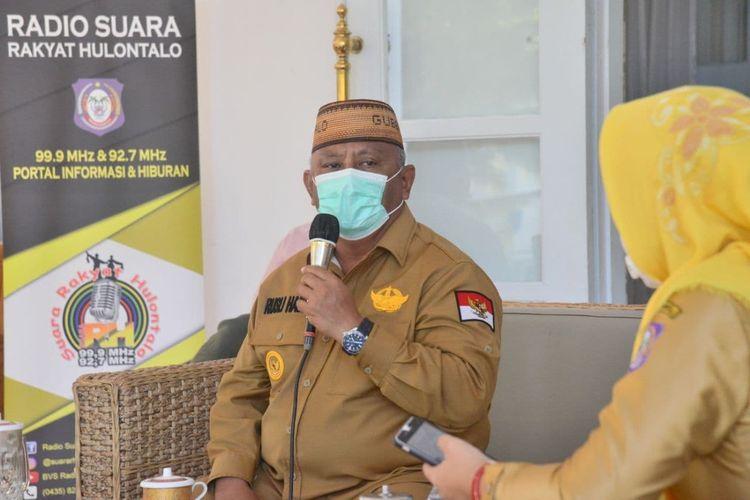 Gubernur Gorontalo Rusli Habibie saat menyampaikan aturan Permentan yang dianggap terlalu cepat.