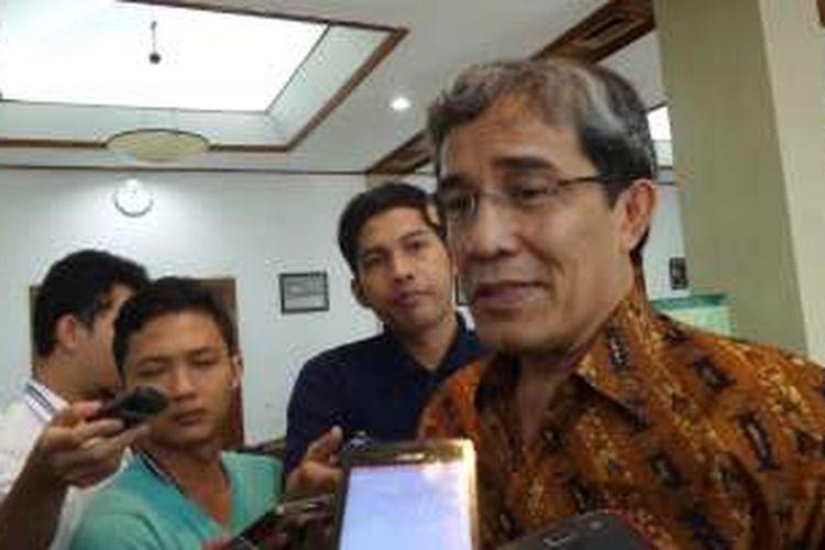 Komisioner Komisi Pemilihan Umum Pusat, Hadar Nafis Gumay di Kantor KPU Pusat, Jalan Imam Bonjol, Menteng, Jakarta Pusat, Selasa (26/4/2016)