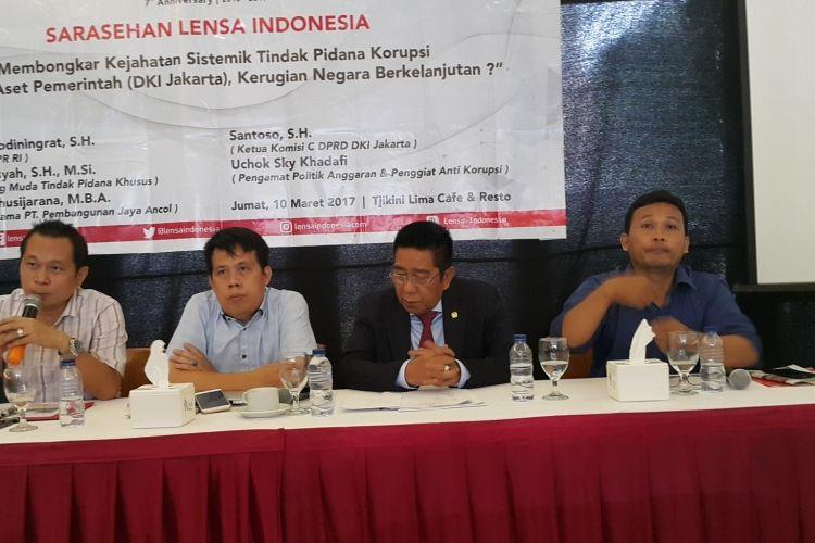 Sebuah diskusi yang dihadiri Ketua Komisi C DPRD DKI Jakarta Santoso (paling kiri) di Cikini, Jakarta Pusat, Jumat (10/3/2017).