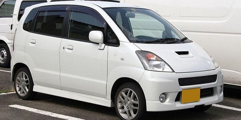 Suzuki Karimun Estilo diproduksi di Indonesia mulai 2006.