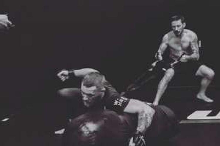 Conor McGregor tengah berlatih