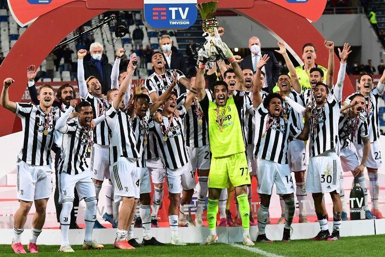 Juventus juara Coppa Italia 2020-2021. Pada laga final, Juventus mengalahkan Atalanta 2-1 di Stadion Mapei, 19 Mei 2021.