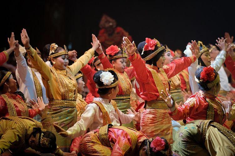 Tari Saman, tarian tradisional dari Aceh DOK, Shutterstock/Oen Michael