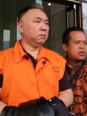 Pemilik PT Sorento Nusantara Budi Winarto usai diperiksa di gedung KPK, Jakarta, Rabu (12/6/2019).