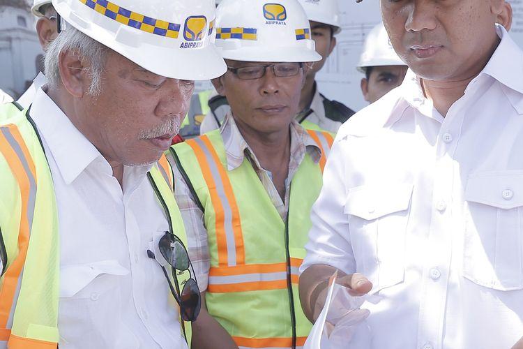 Menteri Pekerjaan dan Perumahan Rakyat (PUPR) Basuki Hadimuljono bersama Wali Kota Semarang Hendrar Prihadi