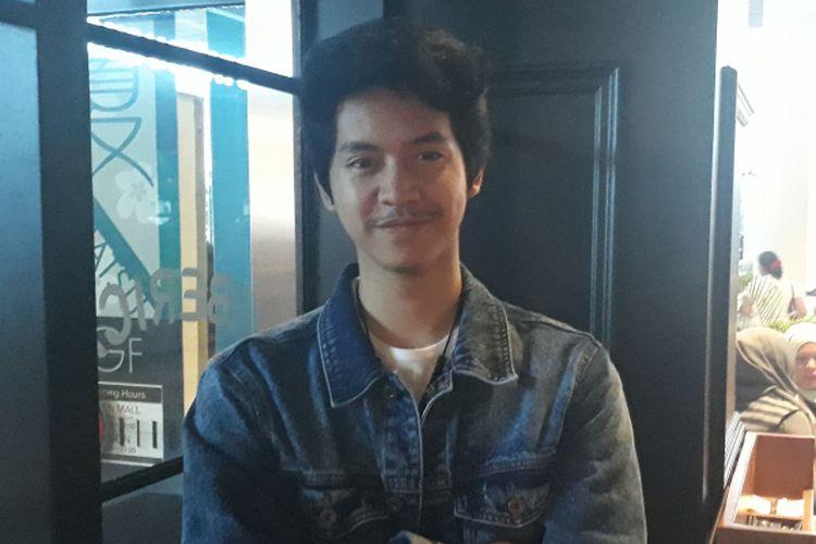 Tristan Juliano banyak bercerita soal musik, keluarga, dan bisnis ketika ditemui di di Liberica AEON Mall BSD City, Tangerang, Minggu (26/3/2017).