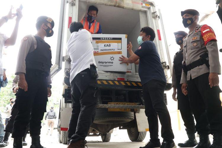 9.200 vial vaksin Sinovac saat tiba di Indramayu, Jawa Barat, Rabu (27/1/2021).