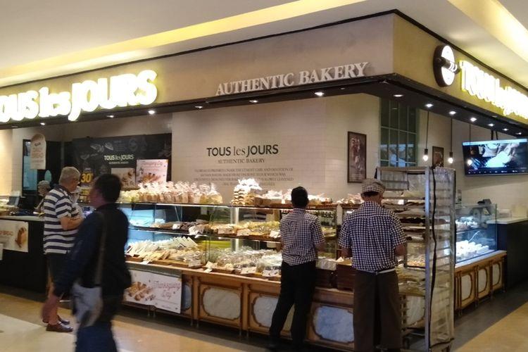 toko roti Tous Les Jours cabang Pacifi Place, SCBD, Jakarta Selatan, Jumat (22/11/2019)