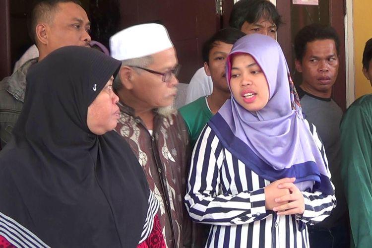 Siti Aisyah saat bertemu warga dan media di kediamannya di Kampung Rancasumur, Desa Sindangsari, Kecamatan Buaran, Kabupaten Serang, Banten, Rabu (13/3/2019)