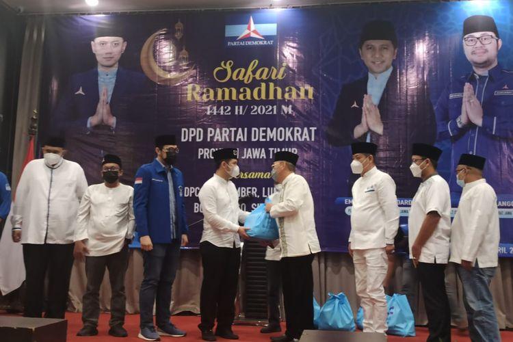 Plt ketua DPD Partai Demokrat Jawa Timur Emil Elistianto Dardak saat mengumpulkan para kader demokrat se tapalkuda di Hotel Aston Jember Minggu (25/4/2021)