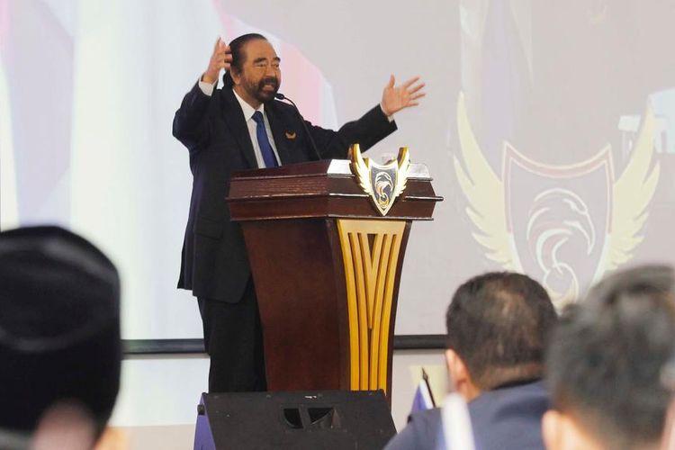 Ketua Umum Partai Nasdem Surya Paloh saat memberikan pembekalan dalam Sekolah Legislatif Partai Nasdem, di Kampus Akademi Bela Negara (ABN) Nasdem, Pancoran, Jakarta, Rabu (17/7/2019).