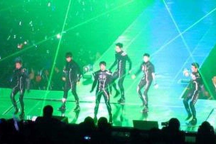 Konser boyband Korea Selatan 2PM untuk kali kedua diadakan di Jakarta. Kali ini, konser tersebut diselenggarakan di Mata Elang International Stadium, Ancol, Sabtu (8/12/2012) malam.