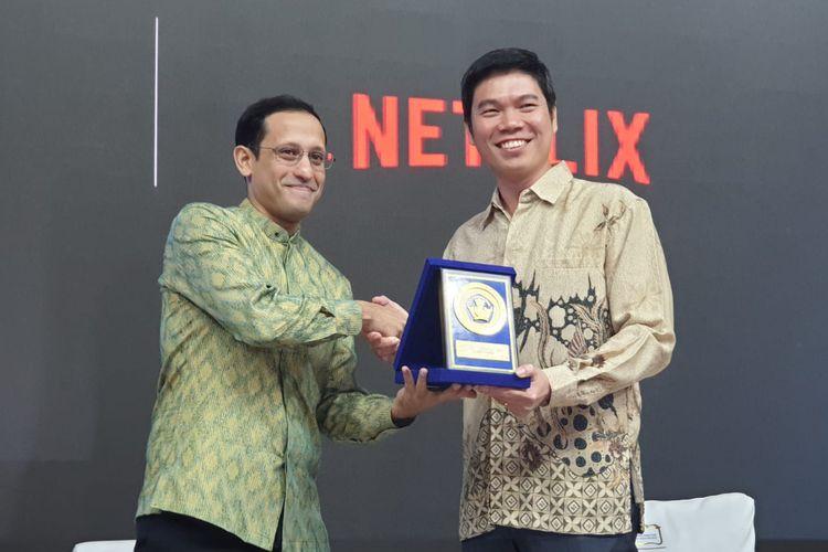Menteri Pendidikan dan Kebudayaan Nadiem Anwar Makarim (kiri), dan Managing Director Netflix Asia Pacific Kuek Yu-Chuang, Kamis (9/1/2020)
