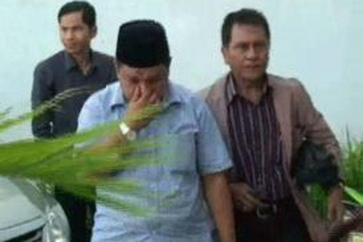 Sunat dana bantuan untuk imam masjid dan pendeta, mantan Kabag Kesra Mamuju Utara yang juga kepala Dinsosnakertrans Matra, Kusmayadi Halim akhirnya ditetapkan sebagai tersangka.