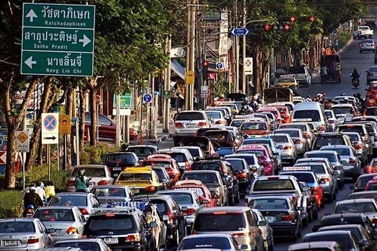 Ilustrasi suasana jalan di Bangkok, Thailand