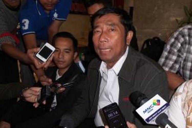 Wakil Ketua DPRD DKI Jakarta Abraham Lunggana seusai diperiksa di Bareskrim Polri sebagai saksi dugaan perkara korupsi melalui pengadaan printer dan scanner, Senin (15/6/2015).