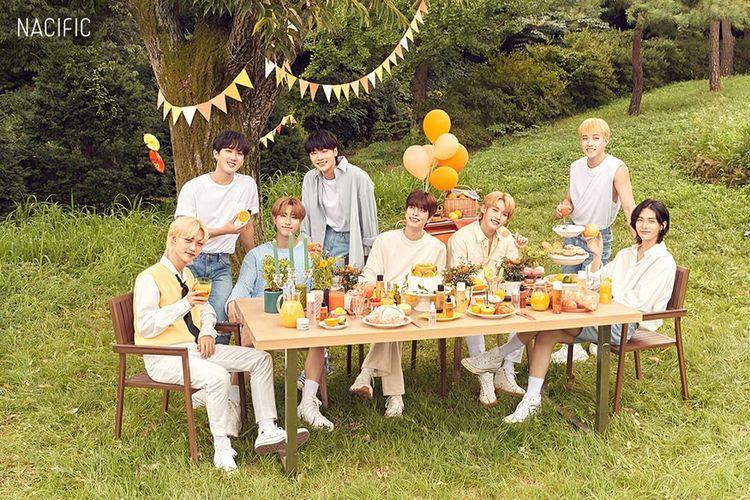 Merek kecantikan asal Korea, Nacific resmi menunjuk Stray Kids sebagai brand ambassadornya.