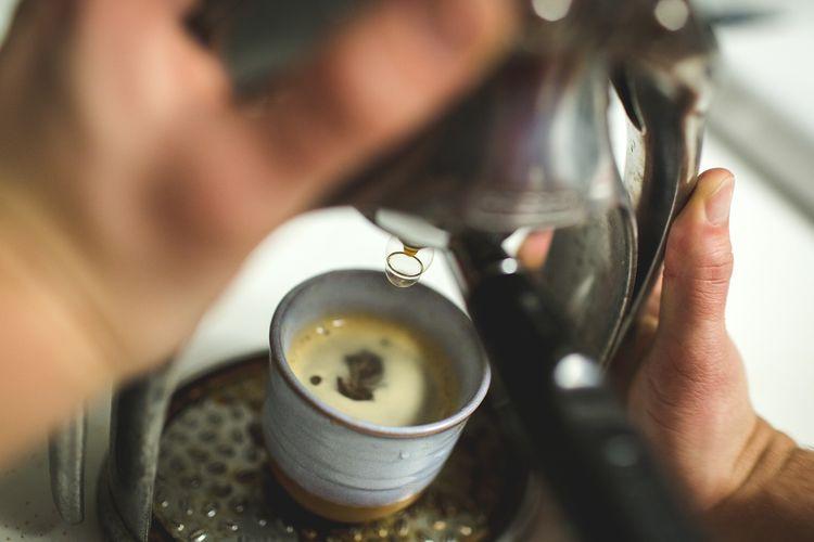 Ilustrasi proses pembautan espresso