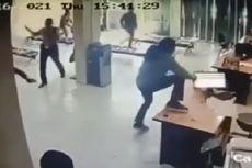 Kronologi Kantor Adira Finance Diserang Sekelompok Orang Bersenjata, Sekuriti Terluka